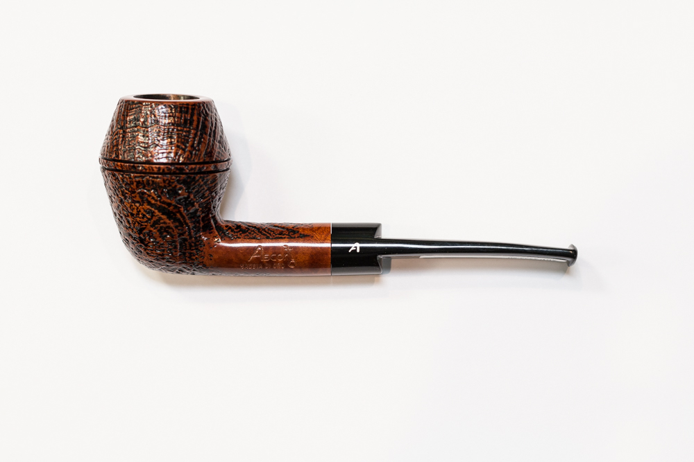 Connoisseurs the world over recognize that Ascorti pipes are simply the best. This well cured century old briar is carved by hand to the optimum shape ... & Tinder Box - Vino100 RockfordAscorti SKS Camou |